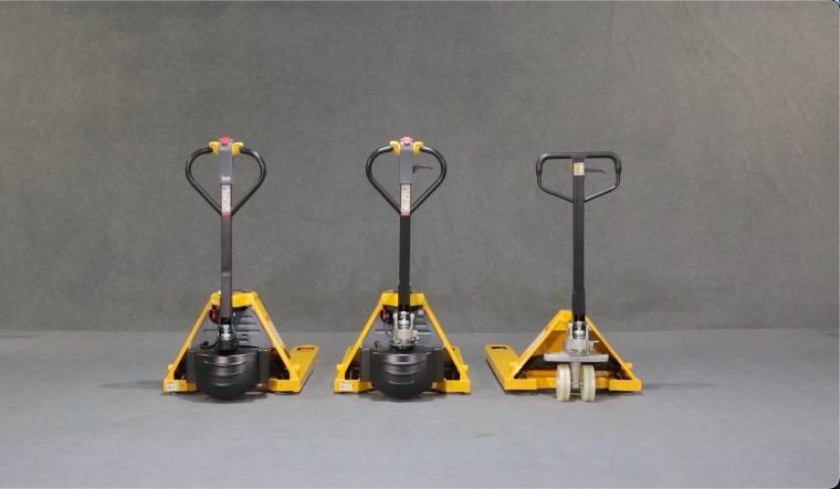 STAXX Electric pallet jack with lithium-Ion batteries